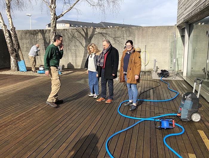 en 2020 se reparó el solarium de la piscina municipal
