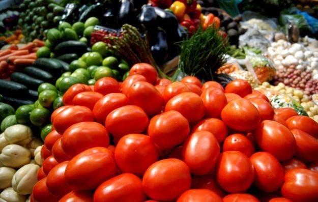 Productos de campo en la feira de Paiosaco
