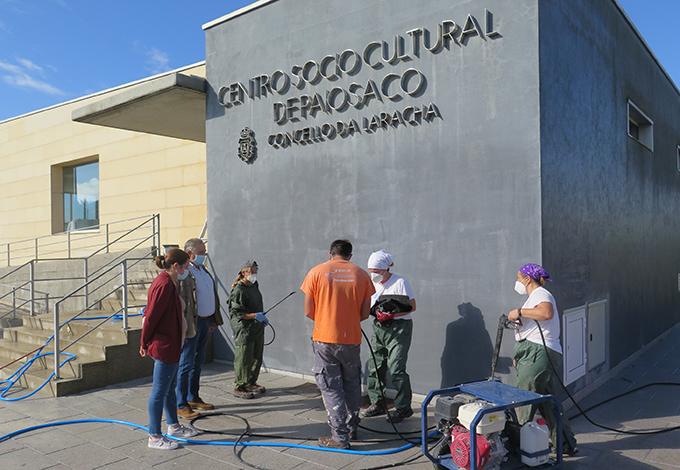 trabajos en el centro sociocultural de Paiosaco do obradoiro de emprego